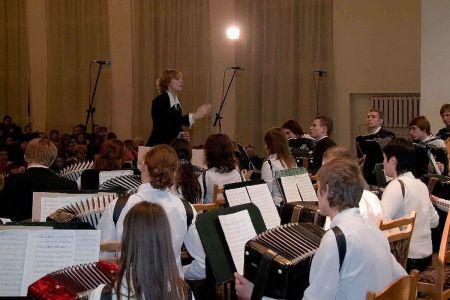 12 Bayan Orkestr